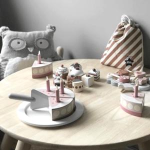 kids_concept_cake-799x799-552x691w