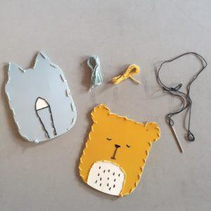 DIY_Embroidery_Kit_-_Cat_and_Bear_c90c8fb8-a6d0-46a0-87da-582830b4f442_900x