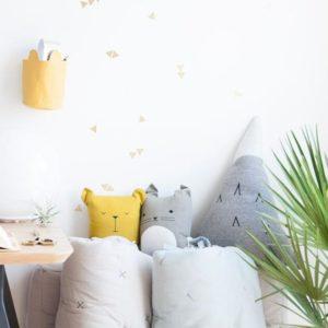 cushions_desk_storage_setting_d7f7c32a-1bf0-49bf-9662-97b48532a20c_2048x