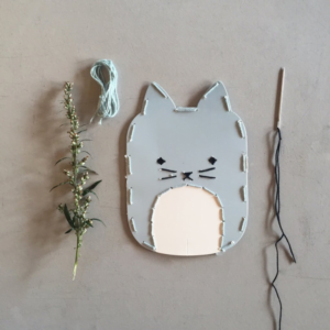 fabelab-embroidery-kit-cat-lifestyle