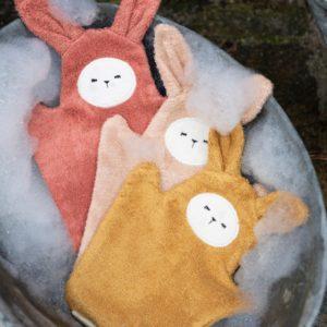 Fabelab-BathMitts-Bunny-OldRoseMix-3Pack-beetlesandbugs2