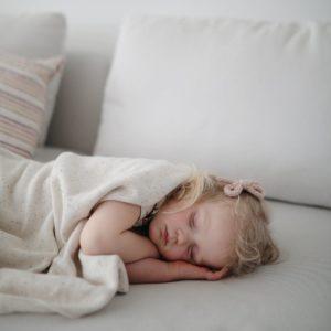 Mushie-Mushie-Knitted-Baby-Blanket-Confetti-Ivory-7_1200x